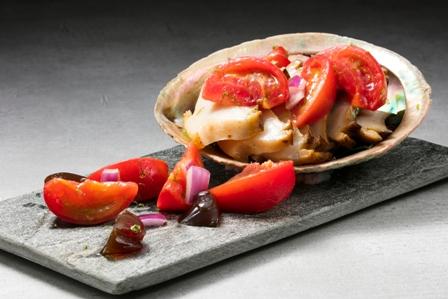 img-16192_t_アワビ フルーツトマトのサルサと自家製ポン酢ジュレ.jpg
